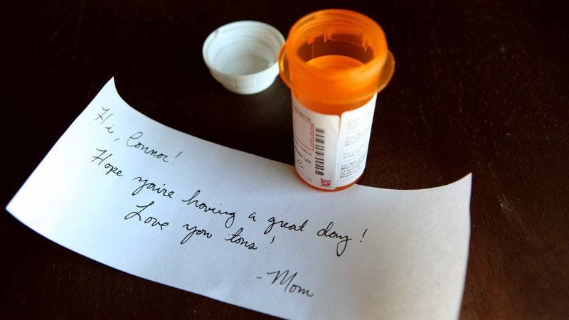 Illustration for article titled Mom Leaves Sweet Little Note For Sixth-Grader In ADD Prescription Bottle