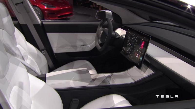 Illustration for article titled Tesla está sospechosamente poco comunicativa con respecto al diseño interior final del Tesla Model 3