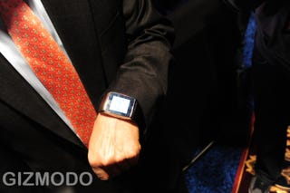 Illustration for article titled LG's GD910 James Bond Approved Watch Phone To Start Production This Year