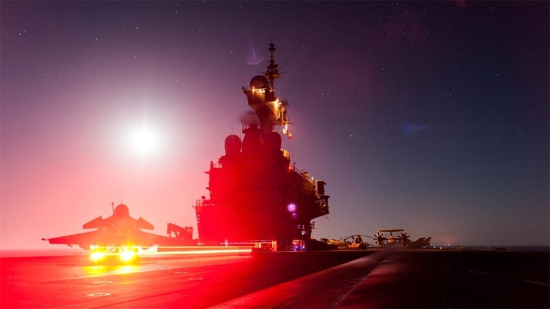 Illustration for article titled France's Nuclear Aircraft Carrier,  Aglow in the Dark