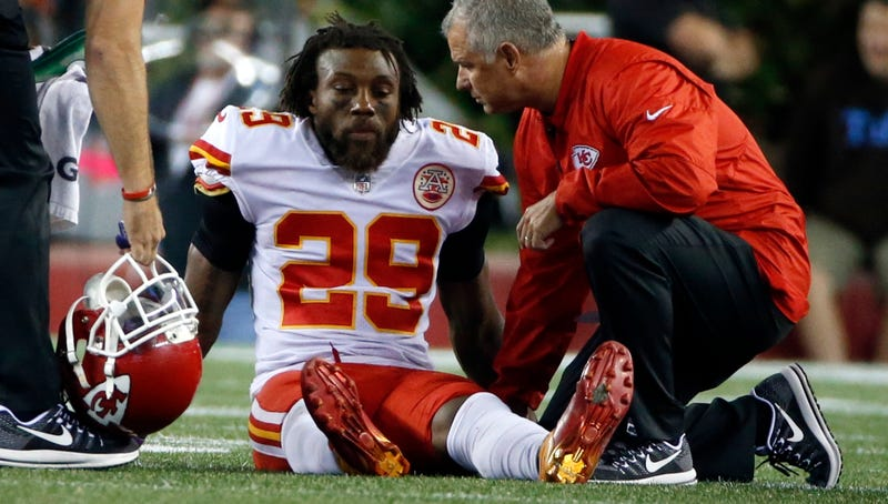 Eric Berry injury casts shadow over Chiefs win vs. Patriots
