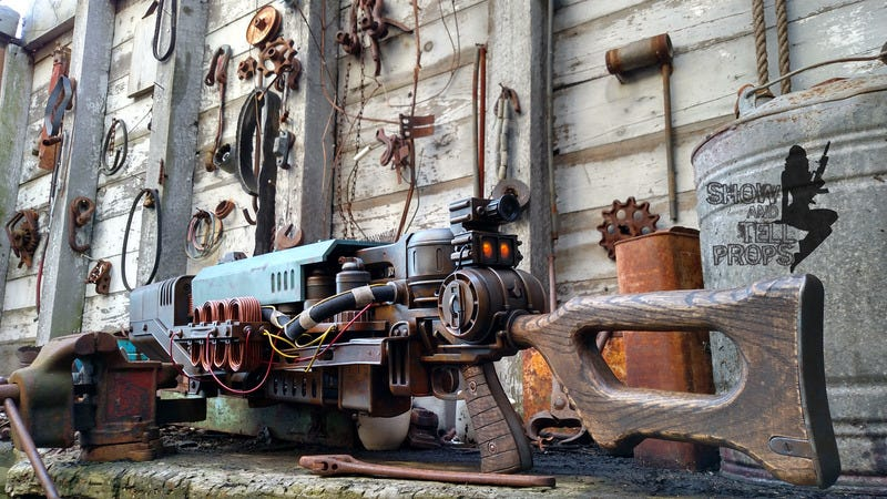 Illustration for article titled Fallout 4's Head-Exploding Rifle As A Rusty Replica