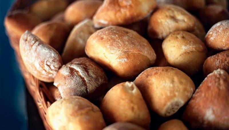 El pan es lo que más se asocia al gluten, pero hay muchos más alimentos con esta proteína. Foto: Skånska Matupplevelser