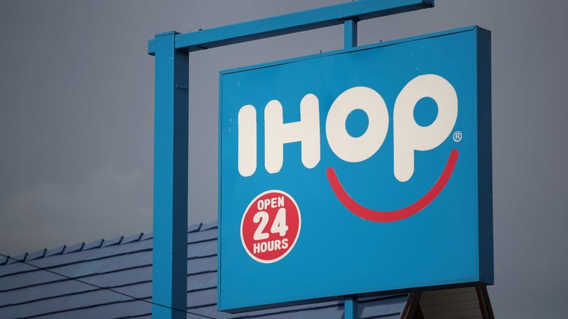 Illustration for article titled IHOP apologizes for manager who caused family of boy without arms to leave restaurant