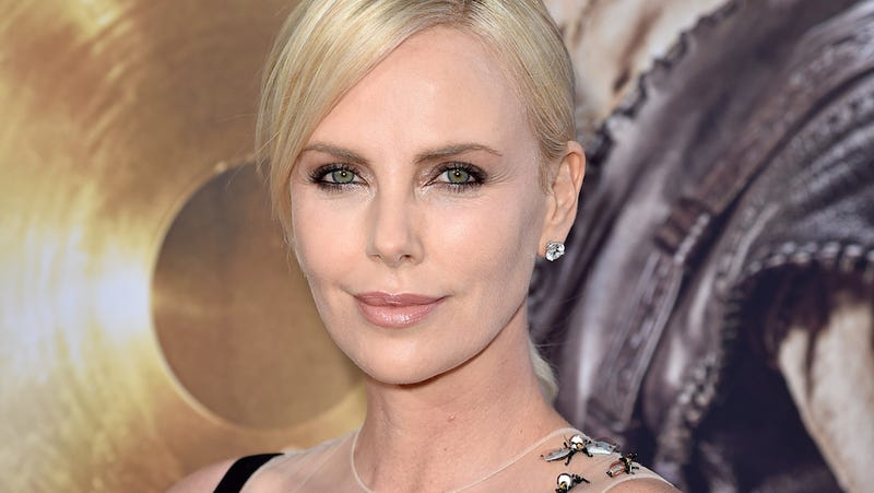 Illustration for article titled Charlize Theron Realizes Being Hot in Hollywood Is Actually Pretty Okay