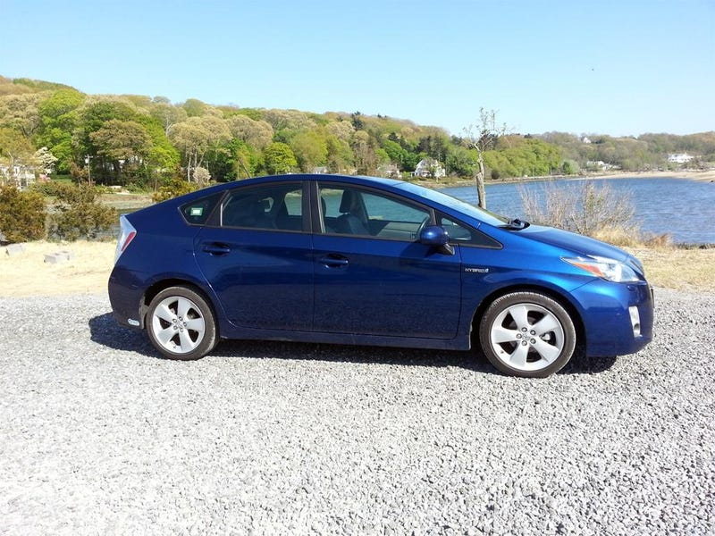 This Is A 2010 Toyota Prius. My Family Had It For 4.5 Years Until They Got  Rid Of It. While I Wasnu0027t The Primary Driver Of The Car; I Drove Thousands  Of ...