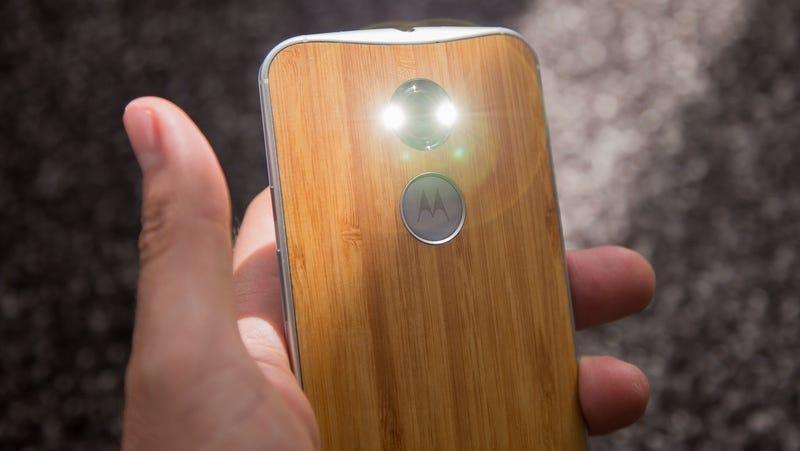 """[NOTICIA] Adiós a Motorola: la icónica marca será reemplazada por """"Moto by Lenovo"""""""