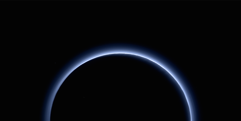 Illustration for article titled You Can See the Color of the Sky in the Newest Pluto Pictures—and It's Blue
