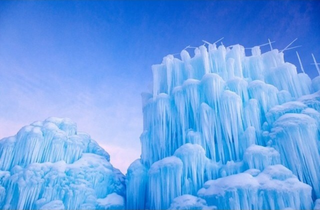 Illustration for article titled 7 Surreal, Towering Ice Castles That You Can Actually Visit