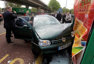 Illustration for article titled This Car Crash Is A Metaphor For Gordon Brown's Campaign