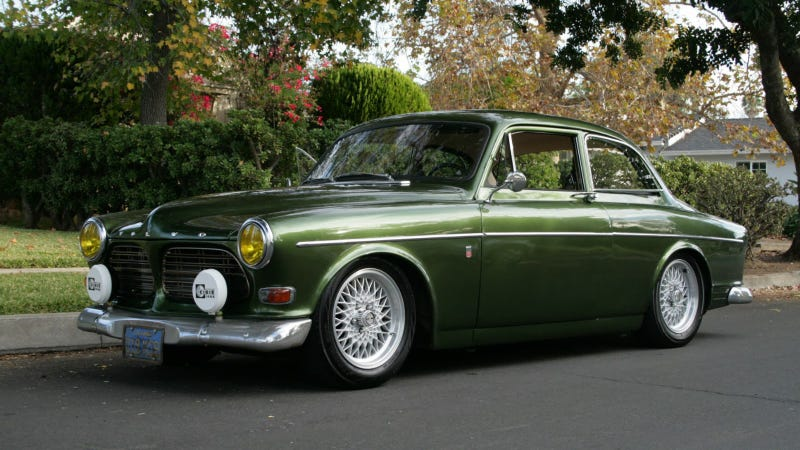 Illustration for article titled This Volvo Amazon Is A 300 Hp SR20DET Smörgåsbord Of Awesome