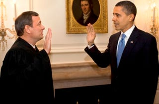 Justice John Roberts and President Obama (Getty Images News)