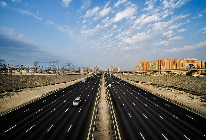 Illustration for article titled 100 km/h (about 62 mph) to be MINIMUM speed on two UAE highways