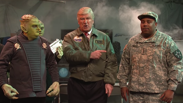 Trump Can t Handle Alien Invasion inSNL s Independence Day Parody