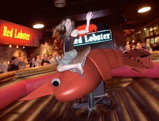 Illustration for article titled Red Lobster Introduces New Mechanical Jumbo Shrimp Ride