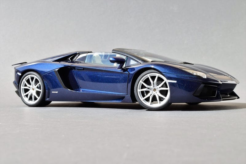 Illustration for article titled Running of The Bulls Week: The Aventador Roadster