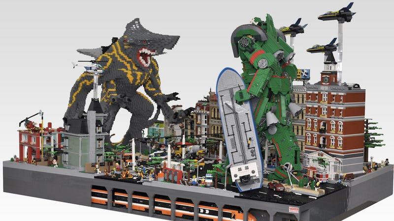 """Illustration for article titled OMFG! This Lego """"Pacific Rim"""" Kaiju Attack is Amazing!"""