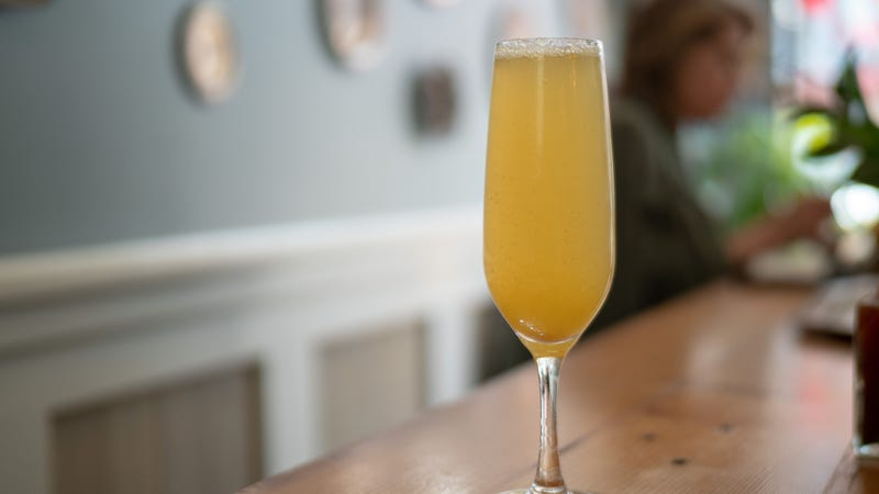 Illustration for article titled D.C. bar is right to apologize for Kavanaugh-tied bottomless mimosas deal