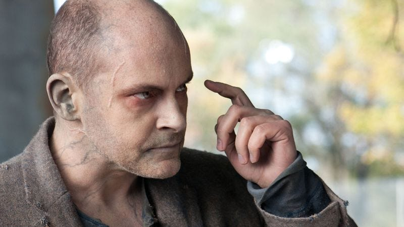 Illustration for article titled Rob Corddry's Method zombie acting tips: never break character, never pee