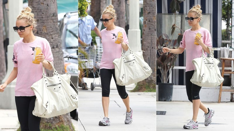 Illustration for article titled Check Out Nicole Richie & Her $1700 Gym Bag