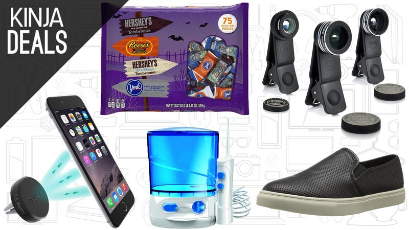 Illustration for article titled Today's Best Deals: Conair Grooming Products, Smartphone Lenses, and More