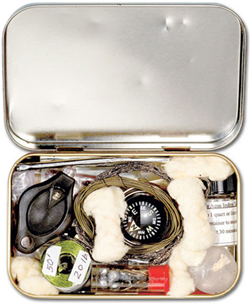 Illustration for article titled Make a Survival Kit From An Altoids Tin