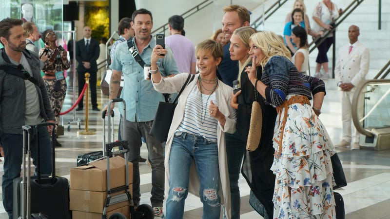 A clever 90210 revival is in on the joke