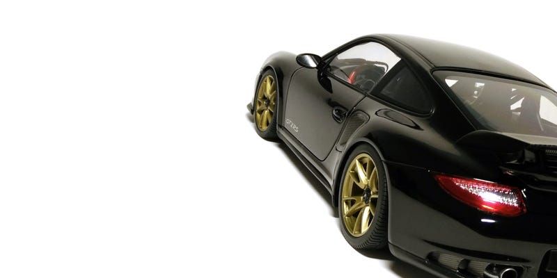 Illustration for article titled Porsche 911 GT2 RS by Minichamps