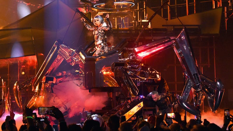 Illustration for article titled Lady Gaga has a giant robot now, in case you were worried being a movie star might have changed her
