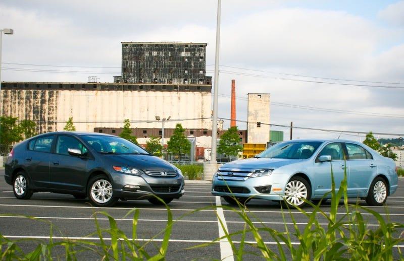 Illustration for article titled Hybrid Car Wars: Honda Insight Vs. Ford Fusion Hybrid