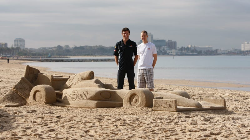 Illustration for article titled This Is Red Bull's New Sand-Based F1 Car