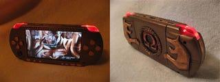 Illustration for article titled Sony PSP God of War Mod Looks Bloodthirstily Fantastic