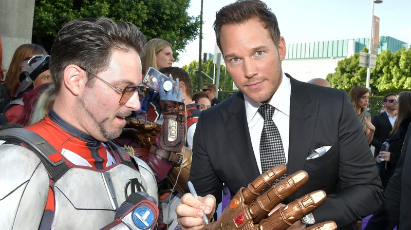 """Illustration for article titled Chris Pratt shares """"illegal"""" video he took of all the famous people while filming Endgame"""