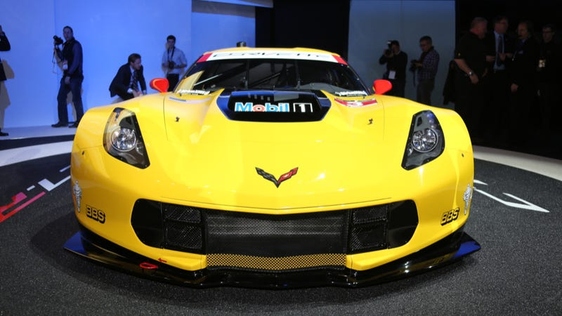 Illustration for article titled The Corvette C7.R Is The Hardcore Le Mans-Storming Race Vette You Need