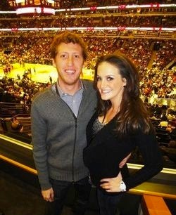 Illustration for article titled Mystery Solved: Courtside Guy At Bulls Games Is Matt Pritzker, And He Is Very, Very Rich