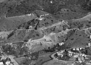 Illustration for article titled Before the Hollywood Sign Found Fame, Others Signs Dotted LA's Hillsides