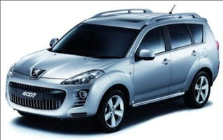 Illustration for article titled Is this Peugeot's Outlander-based 4007 SUV?