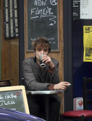 Illustration for article titled Pete Doherty In Paris: A Drink, A Fag, Some Light Reading