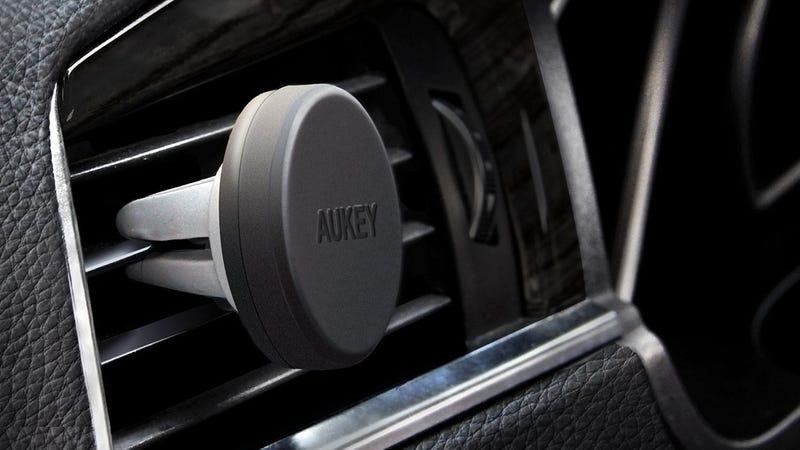 Aukey Car Mount, $6 with codeAUKEYLYU