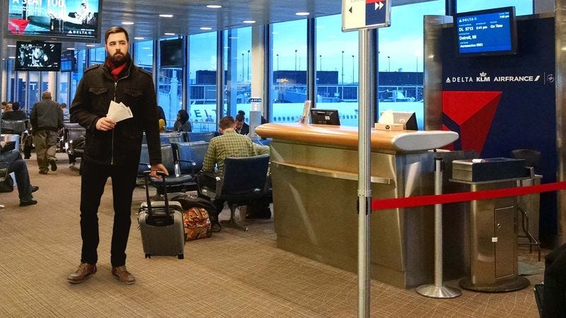 Illustration for article titled Man Prowling At Airport Gate Ready To Pounce Like Jungle Cat At First Sign Of Boarding
