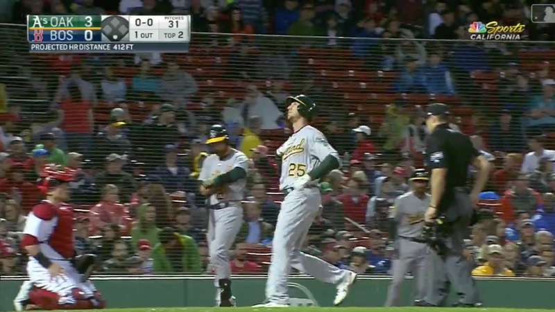 Illustration for article titled Stephen Piscotty Homers In First At-Bat Since Returning From Bereavement List