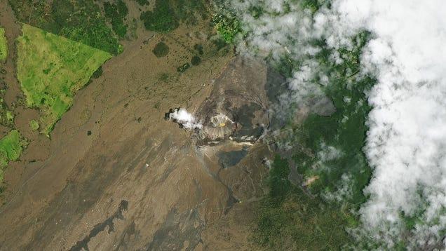 Lava Lake Is Now Water Lake Atop Kilauea Volcano