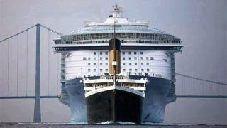 Illustration for article titled The Titanic was ridiculously tiny compared to modern cruise ships