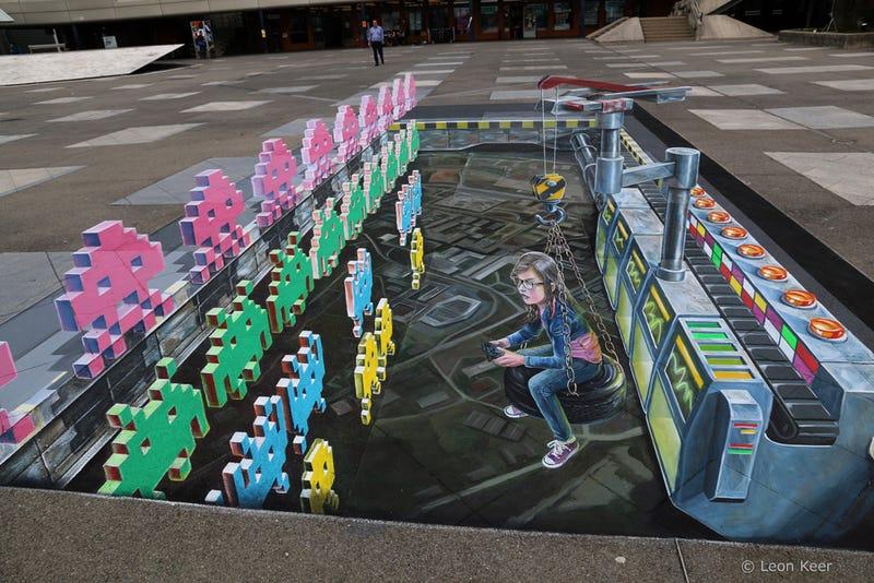 Illustration for article titled 3D Space Invaders Chalk Art
