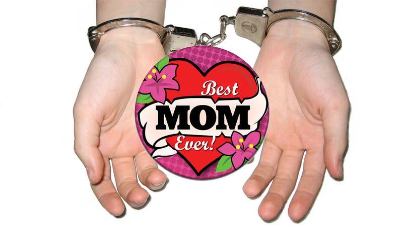 Illustration for article titled Best Mom Ever Steals Over 500 Video Games for Her Children