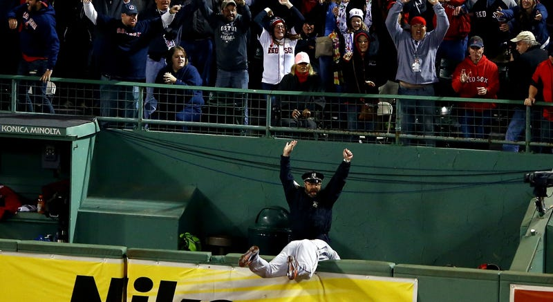 Illustration for article titled Meet The Boston Cop From The Sports Photo Of The Year