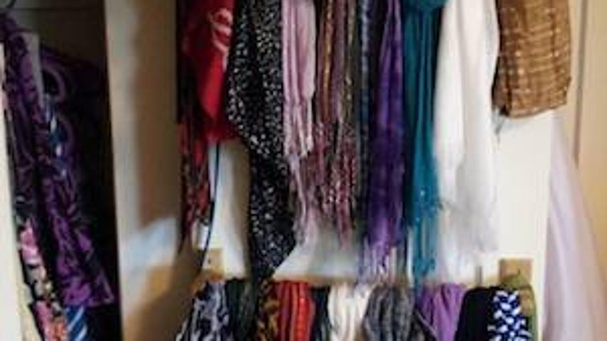 Best Skirt Hangers Uk