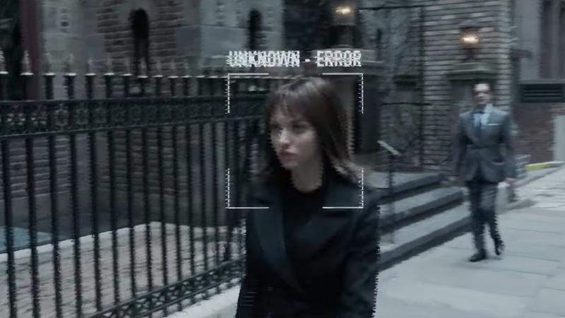 Amanda Seyfried is an unidentifiable mystery woman in Anon.