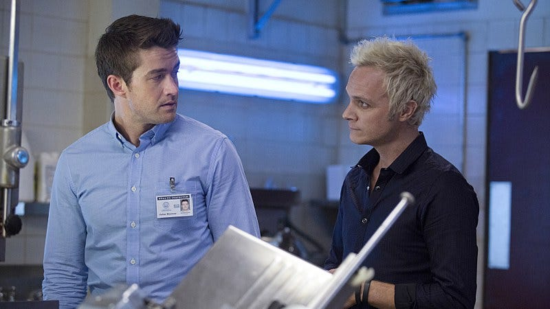 Robert Buckley (left), David Anders/The CW
