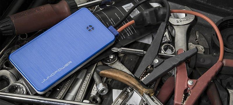 Illustration for article titled Esta batería de bolsillo para smartphones arranca también tu coche
